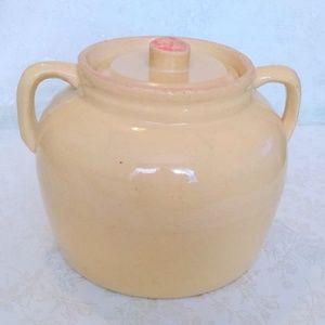 Kooki Kraft Pottery Lidded Cookie Jar Crock